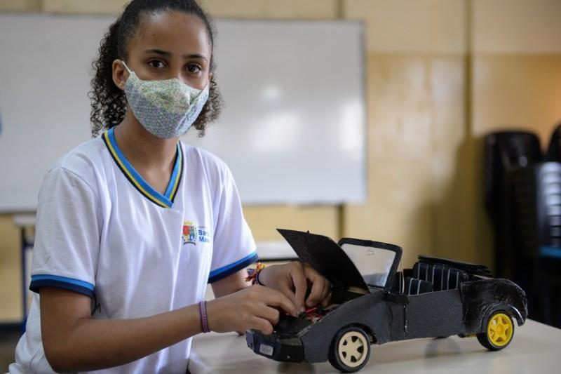 Estudante de Barra Mansa desenvolve projeto de carro sustentável e conquista o 1º lugar na XIV FECTI.